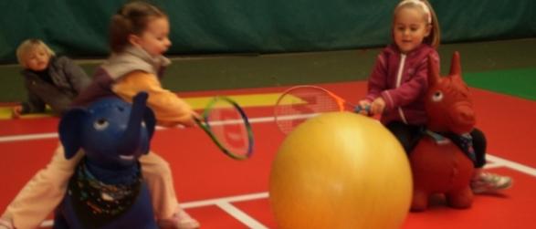 enfants-baby-tennis
